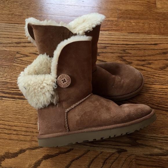5804b93c707 UGG women's Bailey button boot S/N 1016226